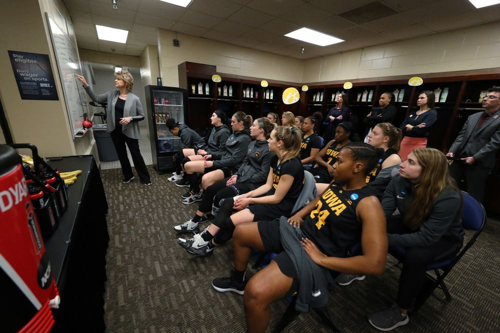 Iowa Hawkeyes head coach Lisa Bluder in the regional final against the Baylor Lady Bears in the 2019 NCAA Women's College Basketball Tournament Monday, April 1, 2019 at Greensboro Coliseum in Greensboro, NC.(Brian Ray/hawkeyesports.com)