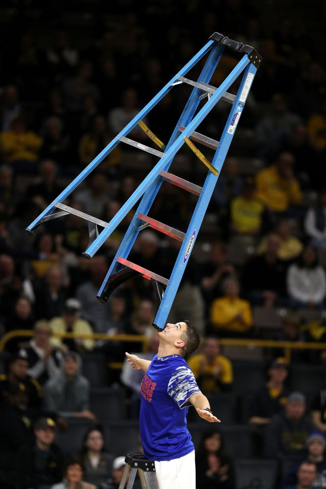 Tyler's Amazing Balancing Act against the Nebraska Cornhuskers Sunday, January 6, 2019 at Carver-Hawkeye Arena. (Brian Ray/hawkeyesports.com)