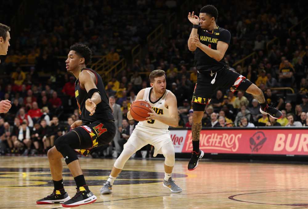 Iowa Hawkeyes guard Jordan Bohannon (3) against the Maryland Terapins Tuesday, February 19, 2019 at Carver-Hawkeye Arena. (Brian Ray/hawkeyesports.com)