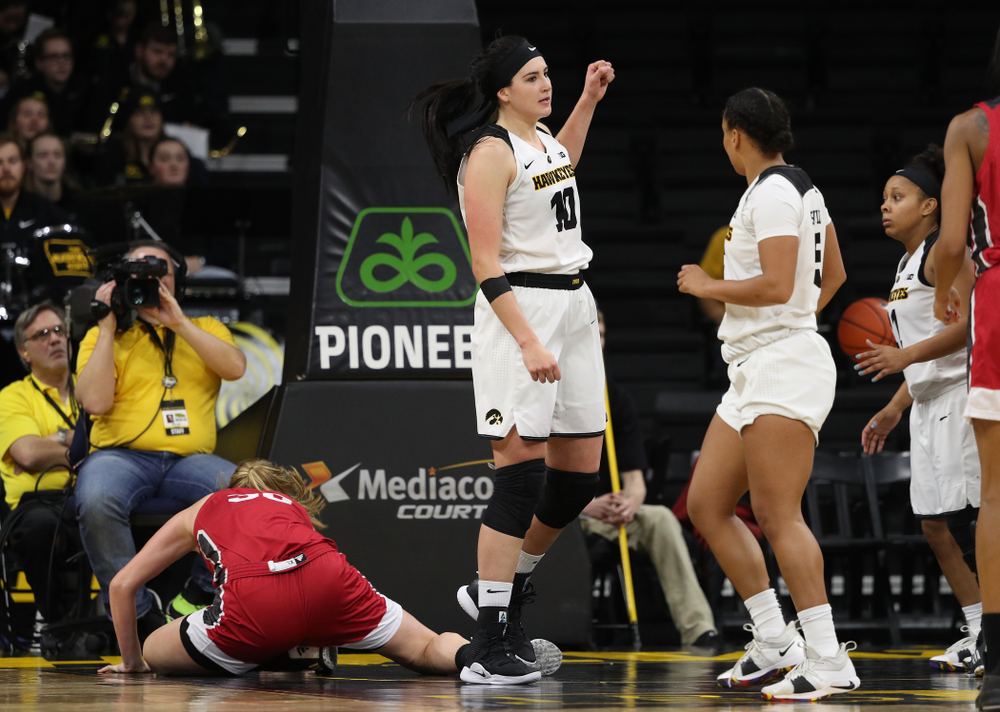 Iowa Hawkeyes forward Megan Gustafson (10) against the IUPUI Jaguars Saturday, December 8, 2018 at Carver-Hawkeye Arena. (Brian Ray/hawkeyesports.com)