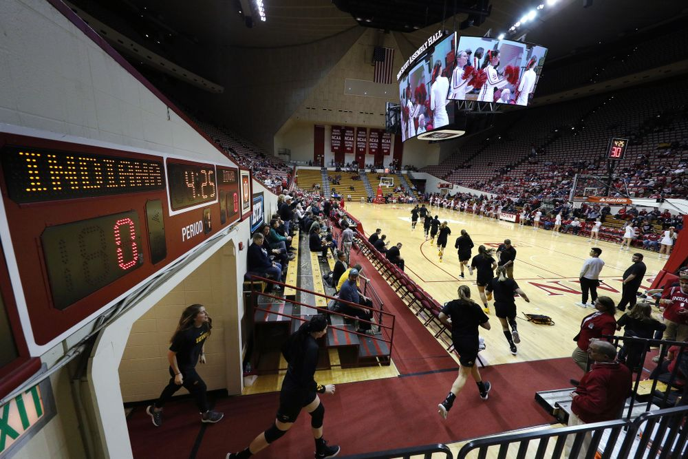 The Iowa Hawkeyes against the Indiana Hoosiers Thursday, February 21, 2019 at Simon Skjodt Assembly Hall. (Brian Ray/hawkeyesports.com)