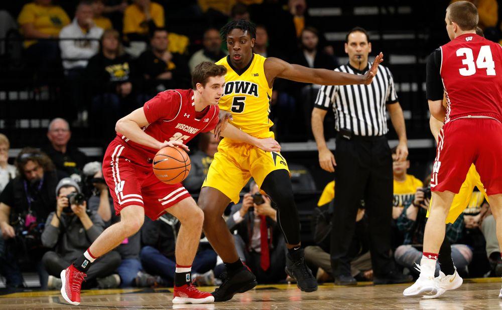 Iowa Hawkeyes forward Tyler Cook (5)