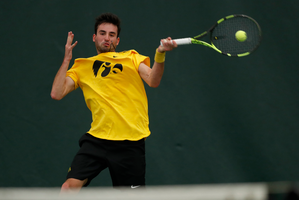 Josh Silverstein against the Illinois Fighting Illini Saturday, March 31, 2018 at Hawkeye Tennis and Recreation Center. (Brian Ray/hawkeyesports.com)