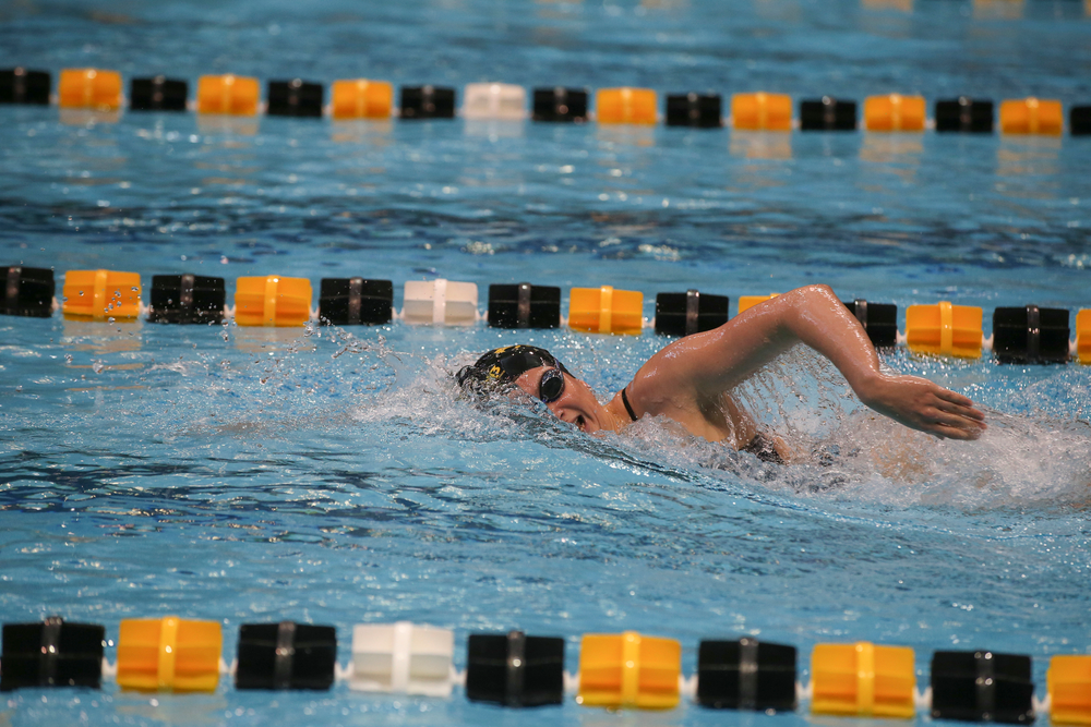 Iowa's Anna Brooker swims the 1000-yard freestyle during the Iowa swimming and diving meet vs Notre Dame and Illinois on Saturday, January 11, 2020 at the Campus Recreation and Wellness Center. (Lily Smith/hawkeyesports.com)