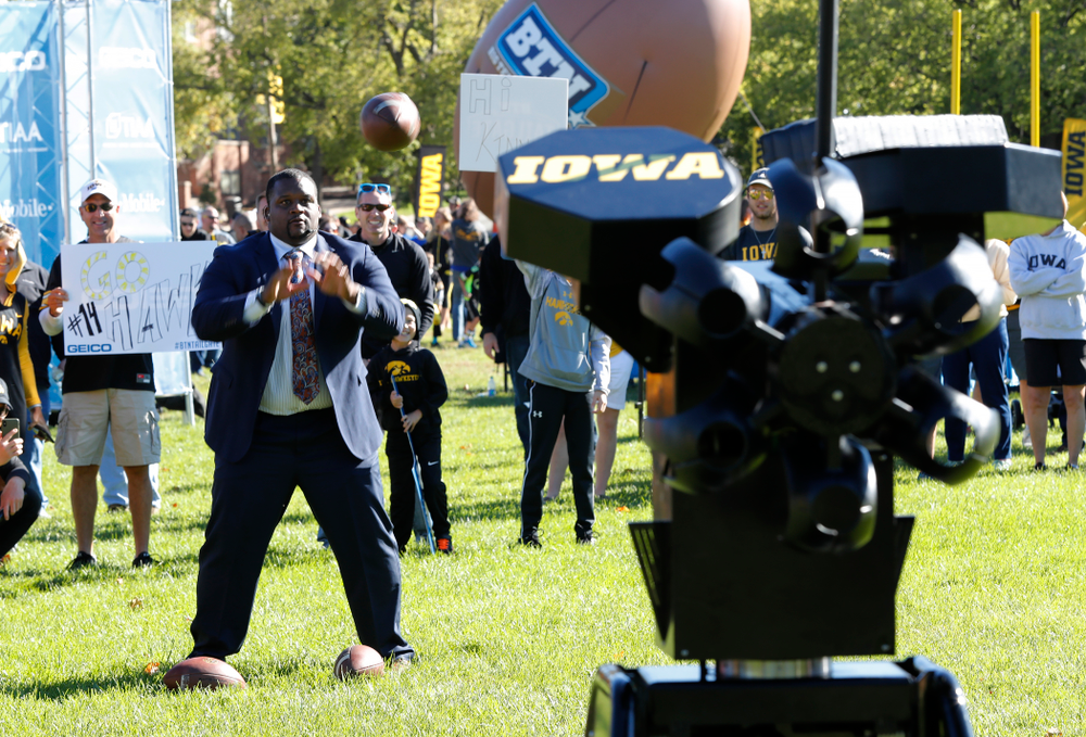 Spice Adams catches passes fro the  Monarch Seeker robotic quarterback as the  BTN Tailgate does a live show Saturday, September 22, 2018 at Hubbard Park on the University of Iowa Campus. (Brian Ray/hawkeyesports.com)