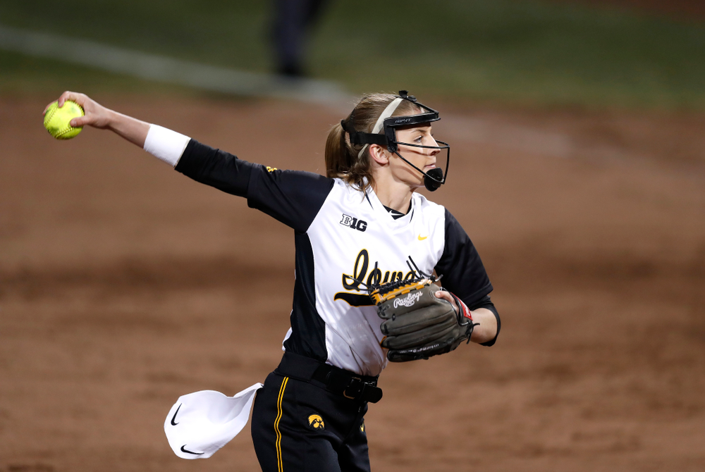 Iowa Hawkeyes starting pitcher/relief pitcher Allison Doocy (3) against Western Illinois Tuesday, April 17, 2018 at Bob Pearl Field. (Brian Ray/hawkeyesports.com)