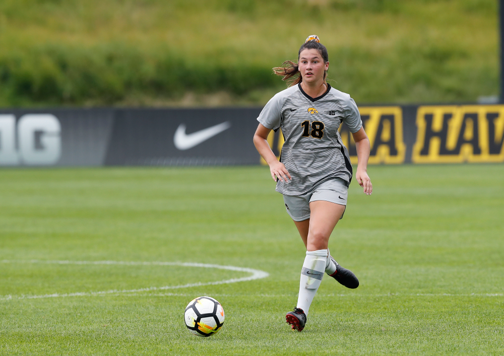 Iowa Hawkeyes Diane Senkowski (18) against Indiana State Sunday, August 26, 2018 at the Iowa Soccer Complex. (Brian Ray/hawkeyesports.com)
