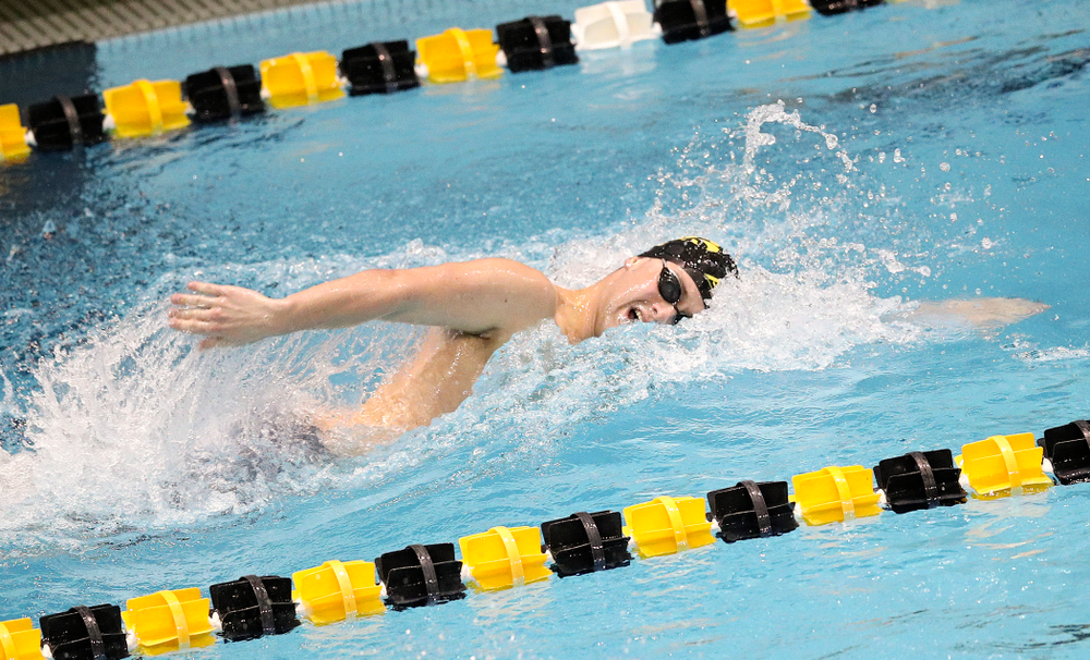 Iowa's Caleb Babb swims the men's 200 yard freestyle event during their meet at the Campus Recreation and Wellness Center in Iowa City on Friday, February 7, 2020. (Stephen Mally/hawkeyesports.com)