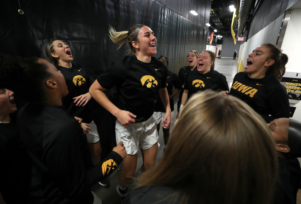 Iowa Hawkeyes forward Hannah Stewart (21) against Dakota Wesleyan University Tuesday, November 6, 2018 at Carver-Hawkeye Arena. (Brian Ray/hawkeyesports.com)