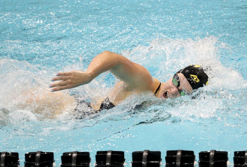 IowaÕs Lauren McDougall competes in the 200 yard freestyle against Notre Dame and Illinois Saturday, January 11, 2020 at the Campus Recreation and Wellness Center.  (Brian Ray/hawkeyesports.com)
