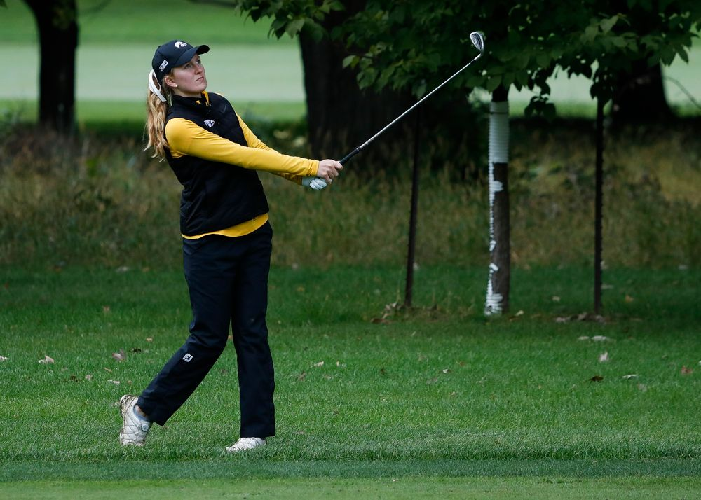 Iowa's Annalee Dannegger hits an approach shot during the Diane Thomason Invitational at Finkbine Golf Course on September 29, 2018. (Tork Mason/hawkeyesports.com)
