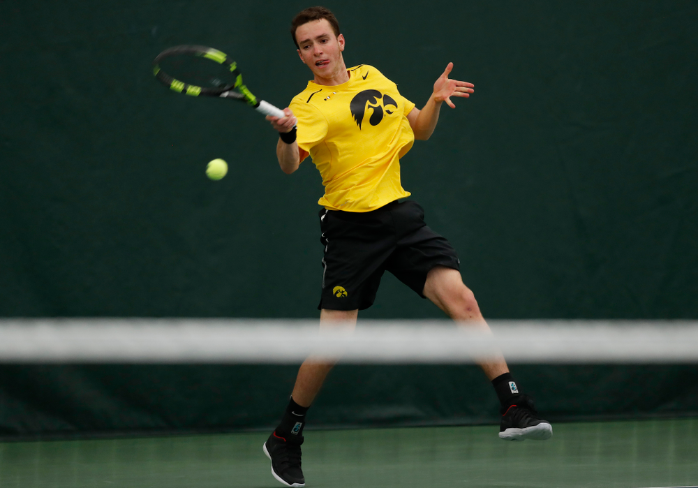 Kareem Allaf against the Illinois Fighting Illini Saturday, March 31, 2018 at Hawkeye Tennis and Recreation Center. (Brian Ray/hawkeyesports.com)