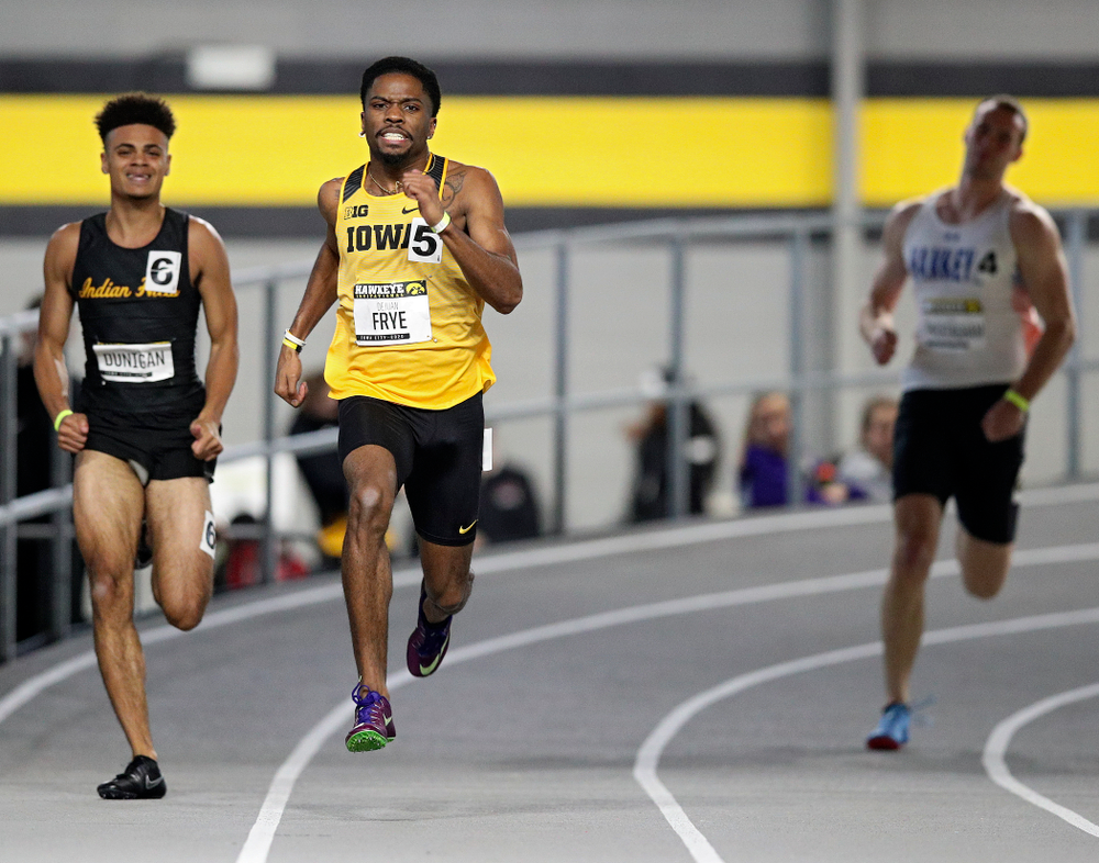 Iowa's DeJuan Frye runs the men's 200 meter dash event during the Hawkeye Invitational at the Recreation Building in Iowa City on Saturday, January 11, 2020. (Stephen Mally/hawkeyesports.com)