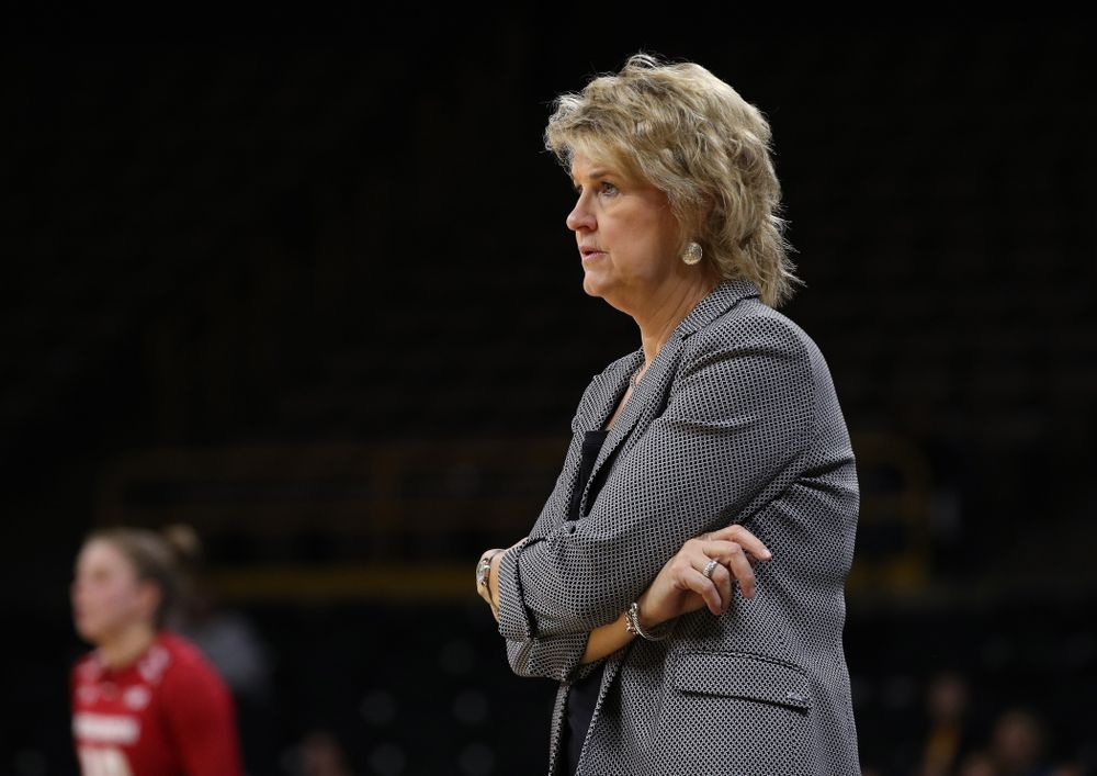 Iowa Hawkeyes head coach Lisa Bluder against the Wisconsin Badgers Monday, January 7, 2019 at Carver-Hawkeye Arena.  (Brian Ray/hawkeyesports.com)