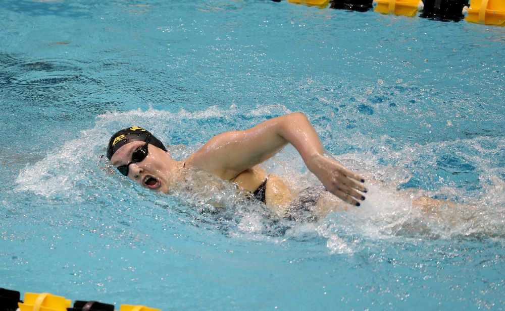 IowaÕs Emily Sansome competes in the 1000-yard freestyle against Notre Dame and Illinois Saturday, January 11, 2020 at the Campus Recreation and Wellness Center.  (Brian Ray/hawkeyesports.com)