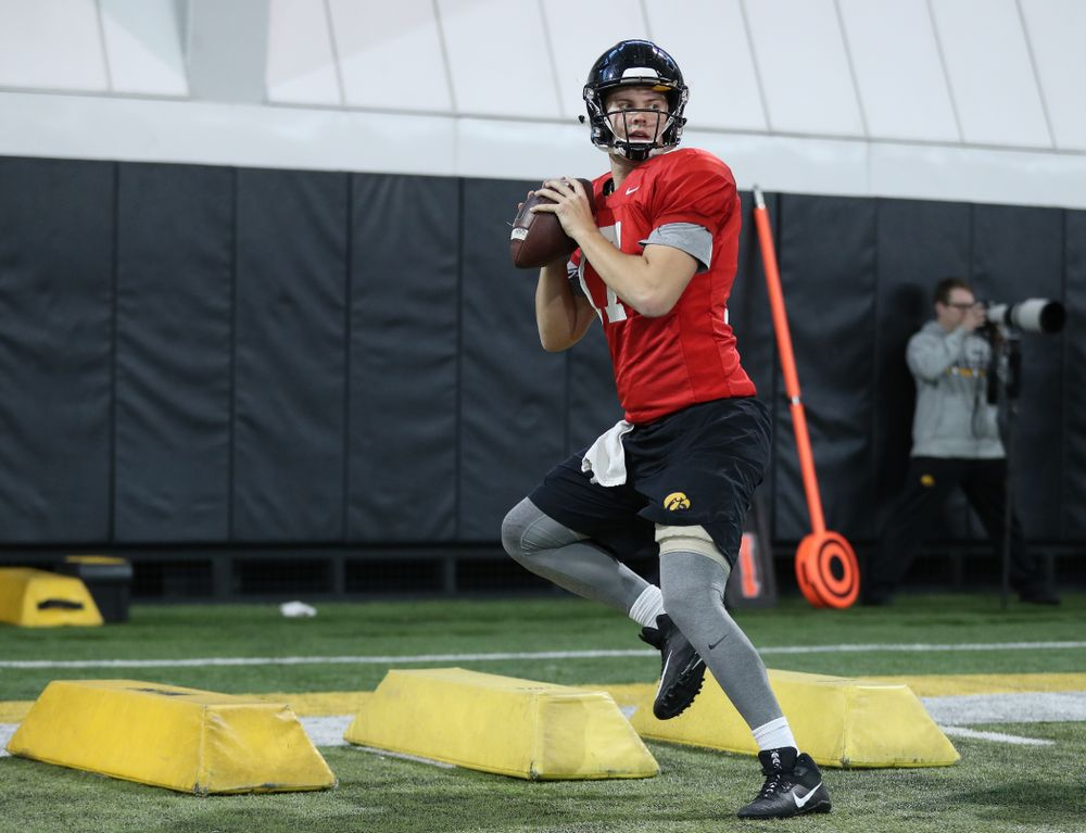 Iowa Hawkeyes quarterback Ryan Schmidt (17) during preparation for the 2019 Outback Bowl Monday, December 17, 2018 at the Hansen Football Performance Center. (Brian Ray/hawkeyesports.com)