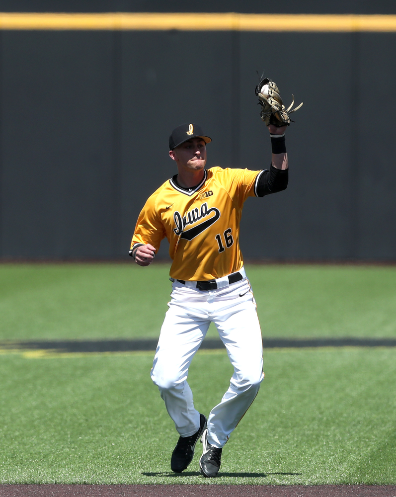 Iowa Hawkeyes Tanner Wetrich (16) against the Nebraska Cornhuskers Sunday, April 21, 2019 at Duane Banks Field. (Brian Ray/hawkeyesports.com)