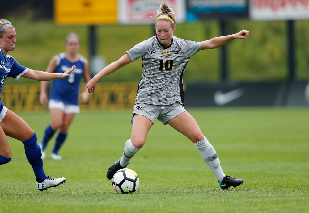 Iowa Hawkeyes Natalie Winters (10) against Indiana State Sunday, August 26, 2018 at the Iowa Soccer Complex. (Brian Ray/hawkeyesports.com)