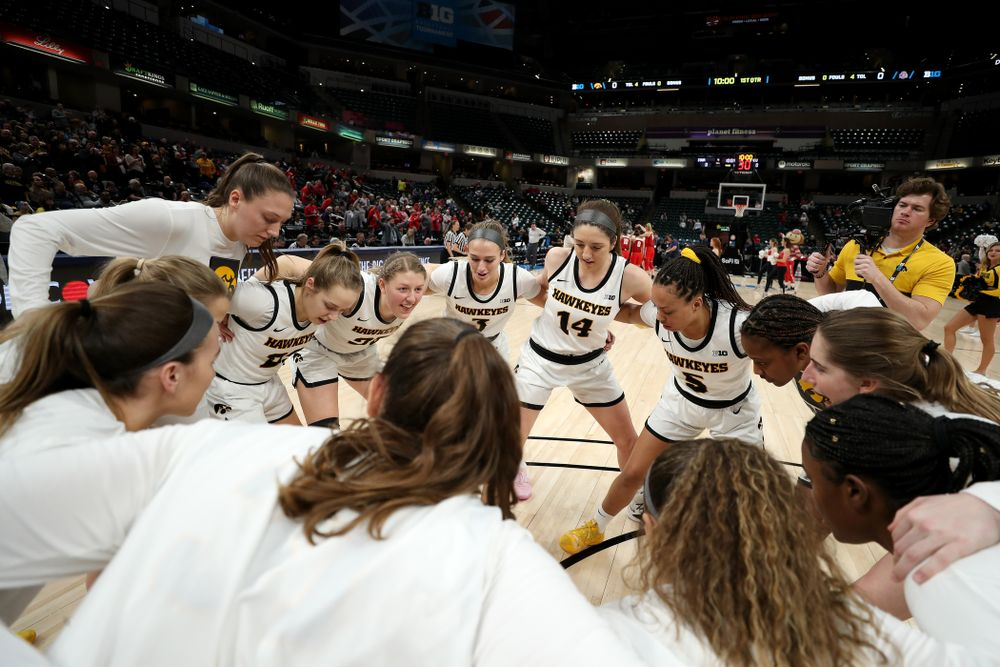 The Iowa Hawkeyes against Ohio State in the quarterfinals of the Big Ten Basketball Tournament Friday, March 6, 2020 at Bankers Life Fieldhouse in Indianapolis. (Brian Ray/hawkeyesports.com)