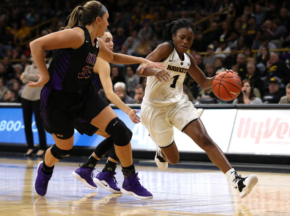 Iowa Hawkeyes guard Tomi Taiwo (1) against the Northern Iowa Panthers in the Hy-Vee Classic Sunday, December 16, 2018 at Carver-Hawkeye Arena. (Brian Ray/hawkeyesports.com)