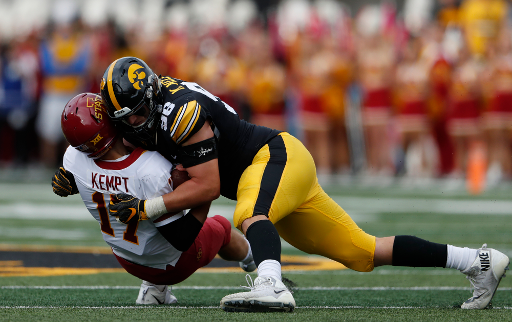 Iowa Hawkeyes defensive end Matt Nelson (96) sacks Iowa State quarterback Kyle Kempt (17) during their game Saturday, September 8, 2018 at Kinnick Stadium. (Brian Ray/hawkeyesports.com)
