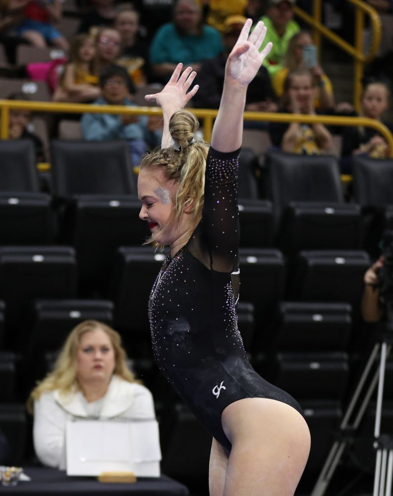 Iowa's Charlotte Sullivan competes on the vault against Illinois Saturday, February 16, 2019 at Carver-Hawkeye Arena. (Brian Ray/hawkeyesports.com)