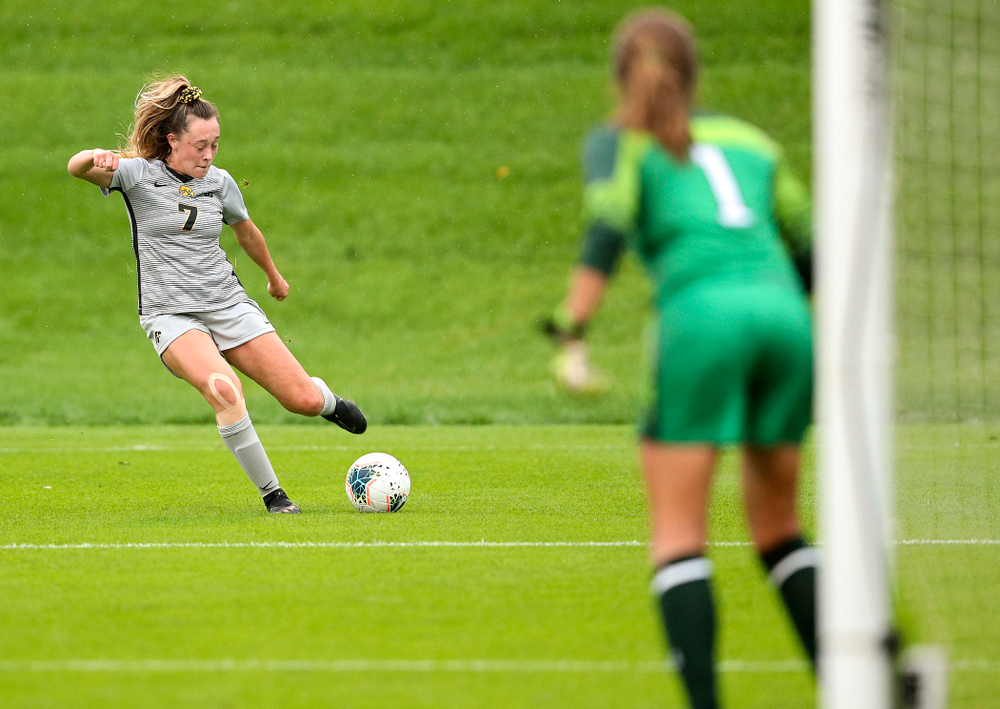 Iowa forward Skylar Alward (7) lines up a shot during the first half of their match at the Iowa Soccer Complex in Iowa City on Sunday, Sep 29, 2019. (Stephen Mally/hawkeyesports.com)
