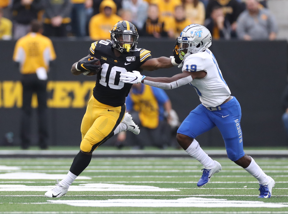 Iowa Hawkeyes running back Mekhi Sargent (10) against Middle Tennessee State Saturday, September 28, 2019 at Kinnick Stadium. (Max Allen/hawkeyesports.com)