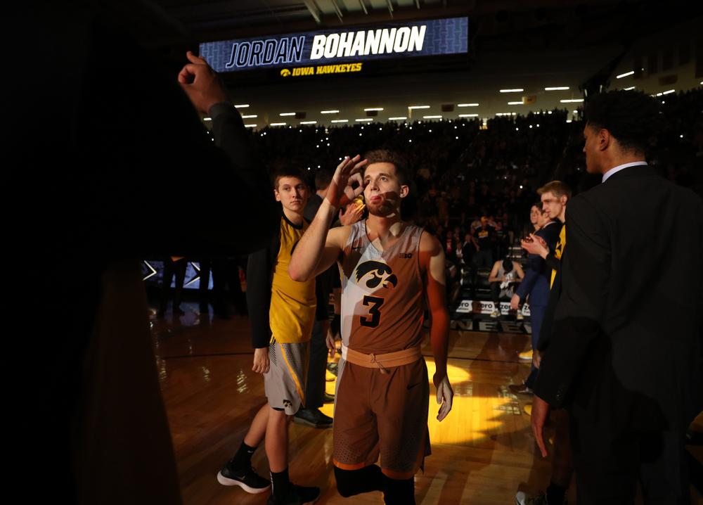 Iowa Hawkeyes guard Jordan Bohannon (3) against the Nebraska Cornhuskers Sunday, January 6, 2019 at Carver-Hawkeye Arena. (Brian Ray/hawkeyesports.com)