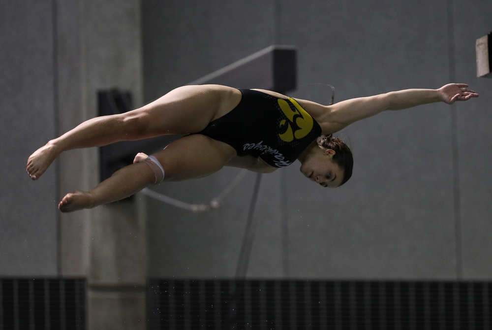 Iowa's Jayah Mathews competes in the 3-meter springboard competition during the third day of the Hawkeye Invitational at the Campus Recreation and Wellness Center on November 16, 2018. (Tork Mason/hawkeyesports.com)