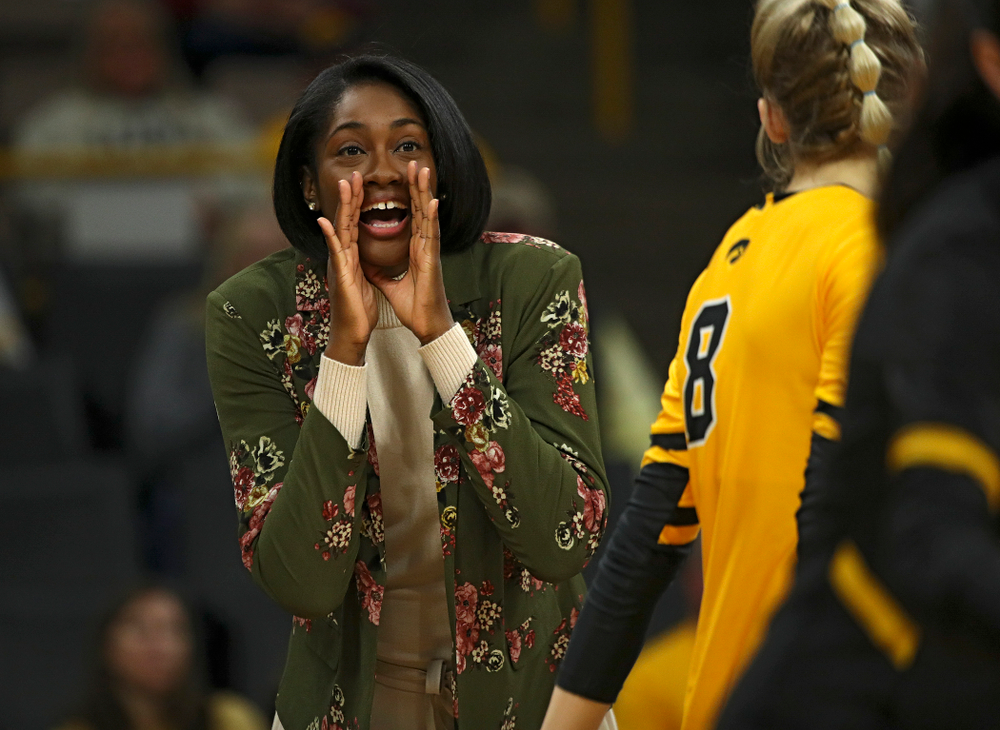 Iowa head coach Vicki Brown shouts to her team during their match at Carver-Hawkeye Arena in Iowa City on Sunday, Oct 20, 2019. (Stephen Mally/hawkeyesports.com)