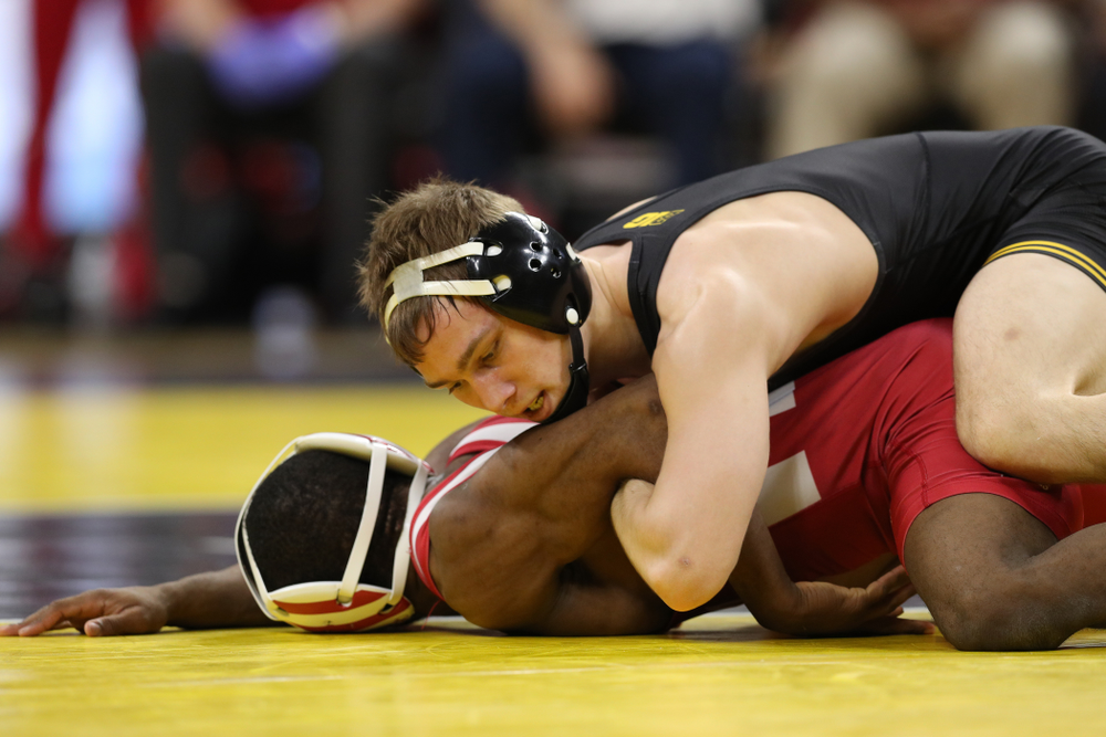 Iowa's Spencer Lee wrestles Indiana's Elijah Oliver at 125 pounds Friday, February 15, 2019 at Carver-Hawkeye Arena. (Brian Ray/hawkeyesports.com)