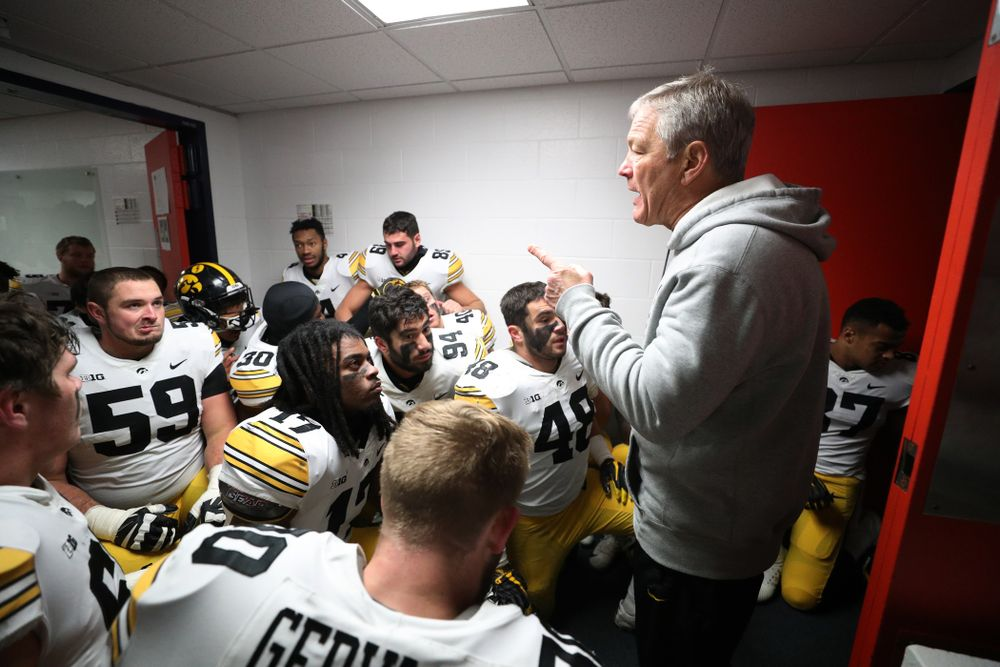 Iowa Hawkeyes head coach Kirk Ferentz talks to his team following their game against the Illinois Fighting Illini Saturday, November 17, 2018 at Memorial Stadium in Champaign, Ill. (Brian Ray/hawkeyesports.com)