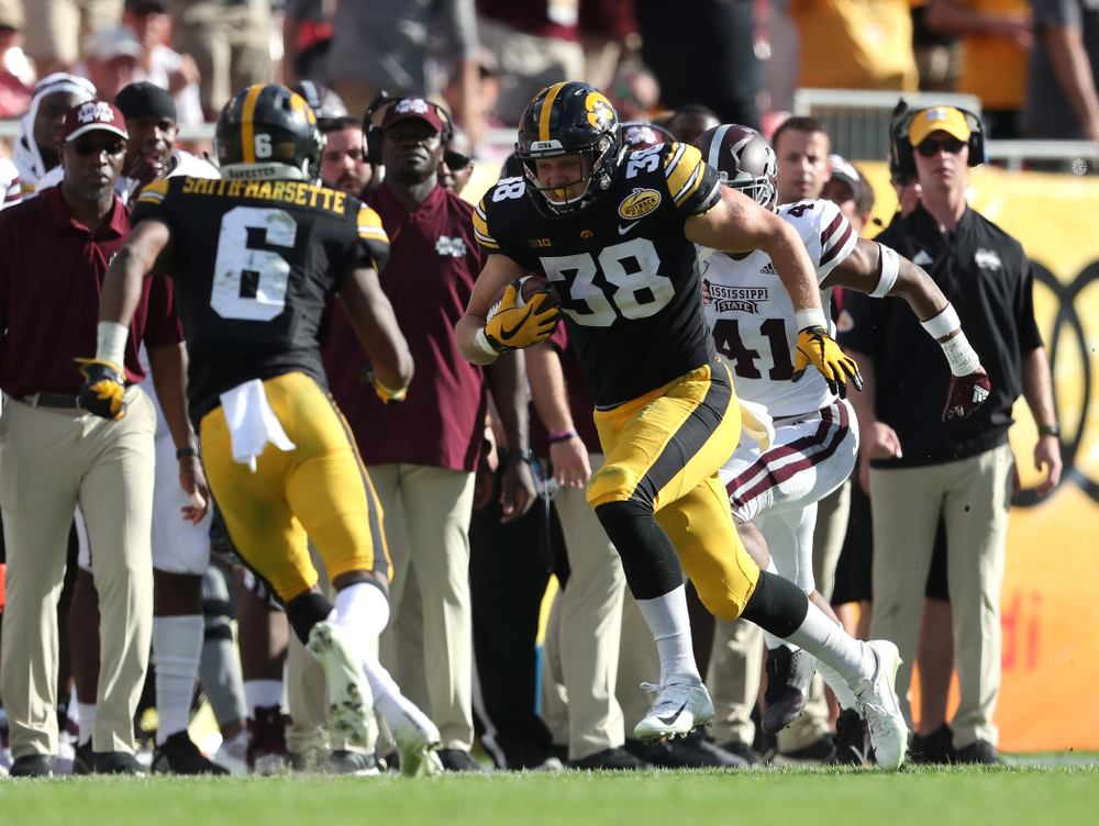 Iowa Hawkeyes tight end T.J. Hockenson (38) during their Outback Bowl Tuesday, January 1, 2019 at Raymond James Stadium in Tampa, FL. (Brian Ray/hawkeyesports.com)
