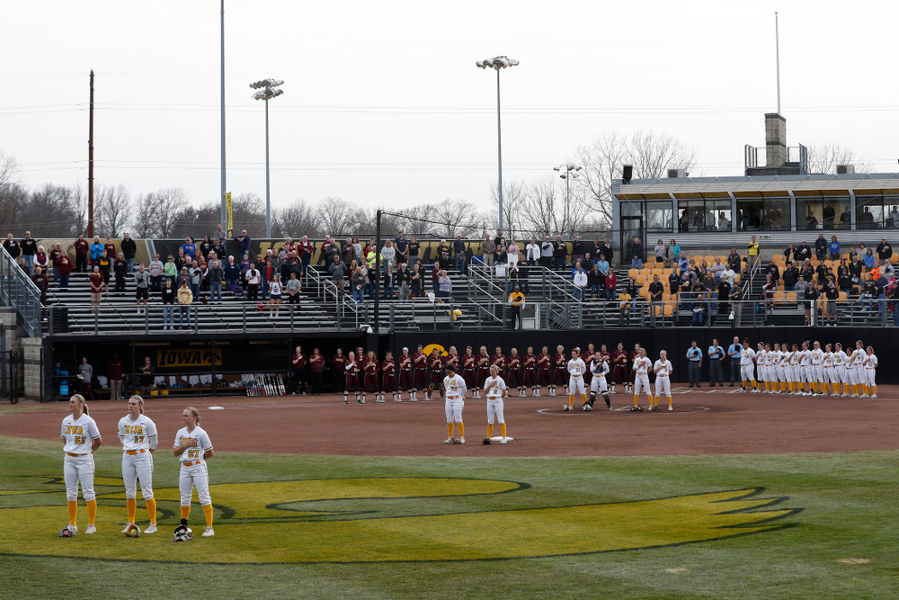 The Iowa Hawkeyes against the Minnesota Golden Gophers  Thursday, April 12, 2018 at Bob Pearl Field. (Brian Ray/hawkeyesports.com)