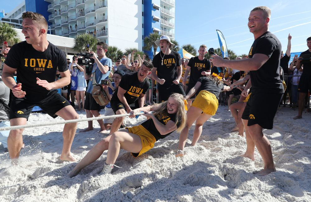 The Iowa Spirit Squad competes in a tug-o-war against Mississippi State during the Outback Bowl Beach Day Sunday, December 30, 2018 at Clearwater Beach. (Brian Ray/hawkeyesports.com)