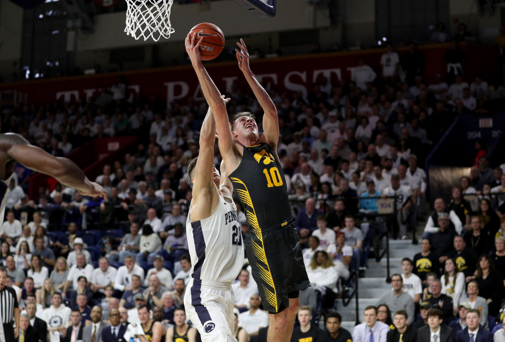 Iowa Hawkeyes guard Joe Wieskamp (10) goes to the hoop against Penn State Saturday, January 4, 2020 at the Palestra in Philadelphia. (Brian Ray/hawkeyesports.com)
