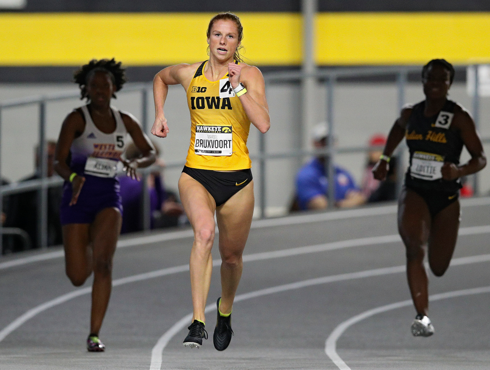 Iowa's Mariel Bruxvoort runs the women's 200 meter dash event during the Hawkeye Invitational at the Recreation Building in Iowa City on Saturday, January 11, 2020. (Stephen Mally/hawkeyesports.com)