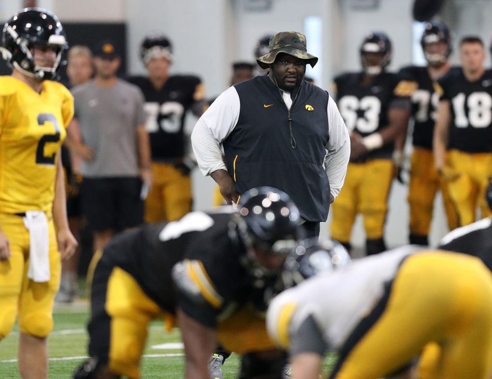 Iowa Hawkeyes defensive line coach Kelvin Bell during Fall Camp Practice No. 6 Thursday, August 8, 2019 at the Ronald D. and Margaret L. Kenyon Football Practice Facility. (Brian Ray/hawkeyesports.com)