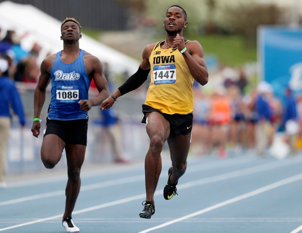 Iowa's Antonio Woodard runs the men's 200 meter dash event during the second day of the Drake Relays at Drake Stadium in Des Moines on Friday, Apr. 26, 2019. (Stephen Mally/hawkeyesports.com)