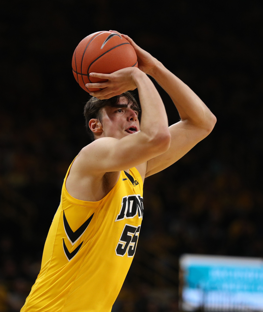 Iowa Hawkeyes forward Luka Garza (55) against the Wisconsin Badgers Friday, November 30, 2018 at Carver-Hawkeye Arena. (Brian Ray/hawkeyesports.com)