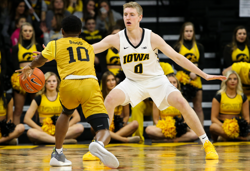 Iowa Hawkeyes forward Michael Baer (0) defends during a game against Alabama State at Carver-Hawkeye Arena on November 21, 2018. (Tork Mason/hawkeyesports.com)