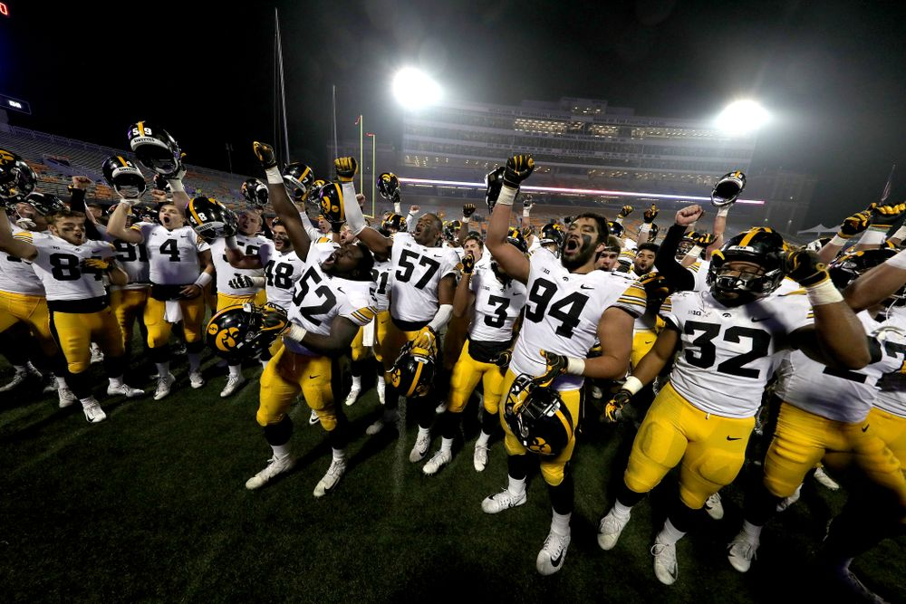 "The Iowa Hawkeyes sing the ""Fight Song"" against the Illinois Fighting Illini Saturday, November 17, 2018 at Memorial Stadium in Champaign, Ill. (Brian Ray/hawkeyesports.com)"