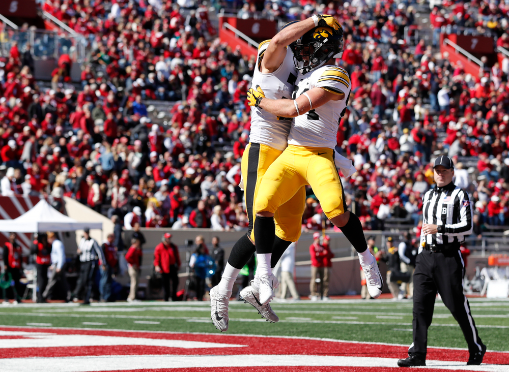 Iowa Hawkeyes tight end T.J. Hockenson (38) and wide receiver Nick Easley (84) against the Indiana Hoosiers Saturday, October 13, 2018 at Memorial Stadium, in Bloomington, Ind. (Brian Ray/hawkeyesports.com)