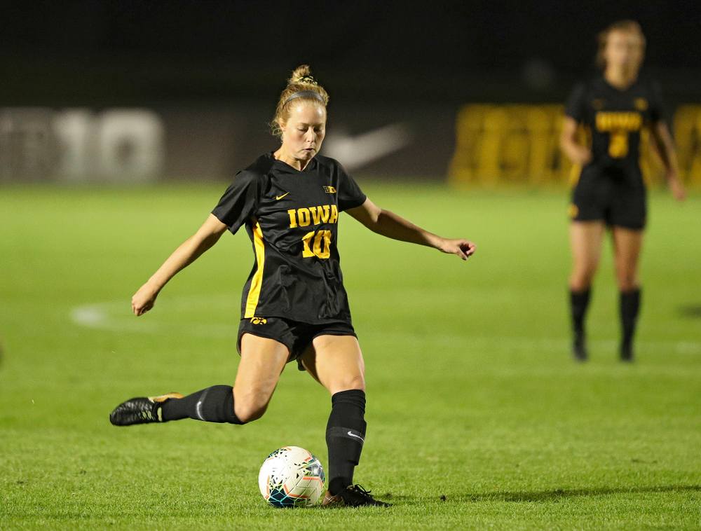 Iowa midfielder/defender Natalie Winters (10) lines up a shot during the second half of their match against Illinois at the Iowa Soccer Complex in Iowa City on Thursday, Sep 26, 2019. (Stephen Mally/hawkeyesports.com)