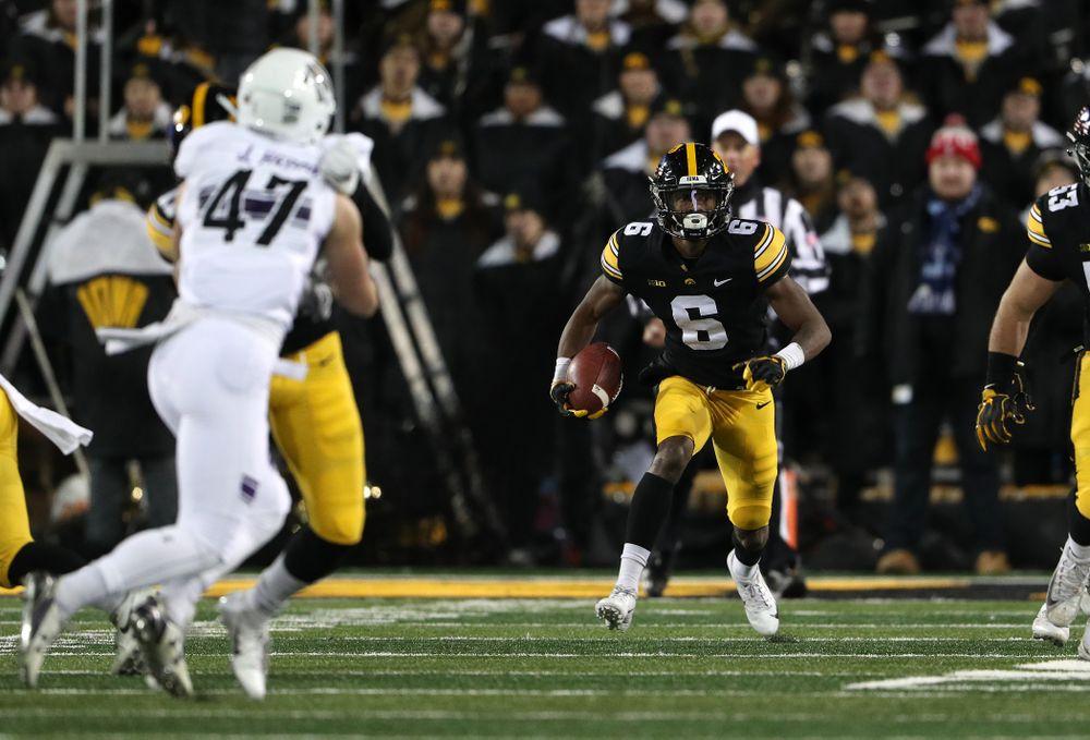 Iowa Hawkeyes wide receiver Ihmir Smith-Marsette (6) against the Northwestern Wildcats Saturday, November 10, 2018 at Kinnick Stadium. (Brian Ray/hawkeyesports.com)