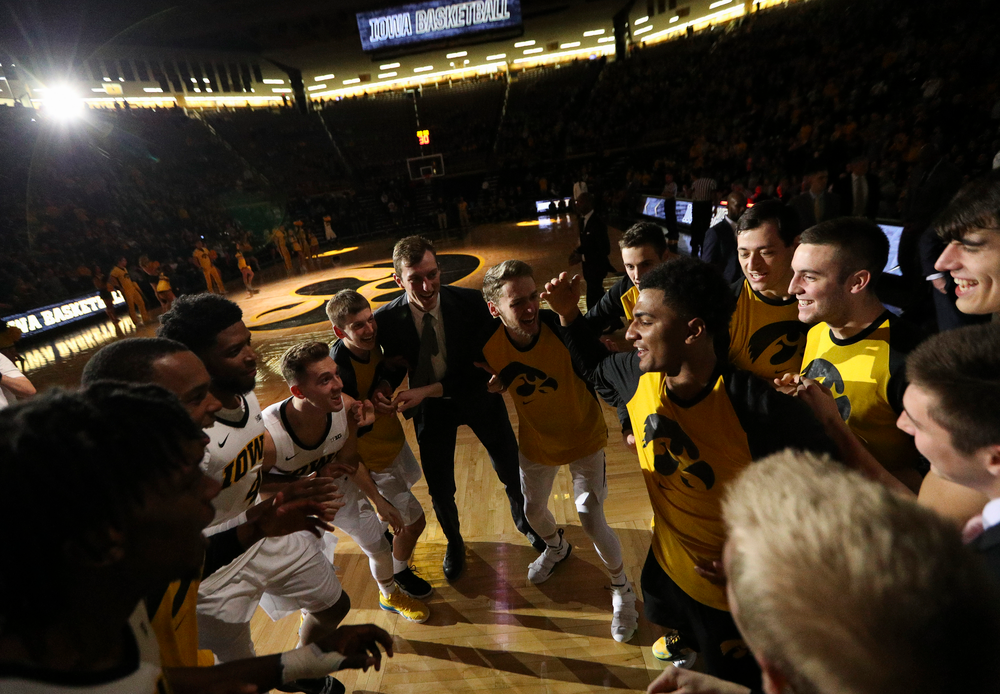 Iowa Hawkeyes guard Nicolas Hobbs (24) breaks down the pregame huddle on the court before a game against Alabama State at Carver-Hawkeye Arena on November 21, 2018. (Tork Mason/hawkeyesports.com)