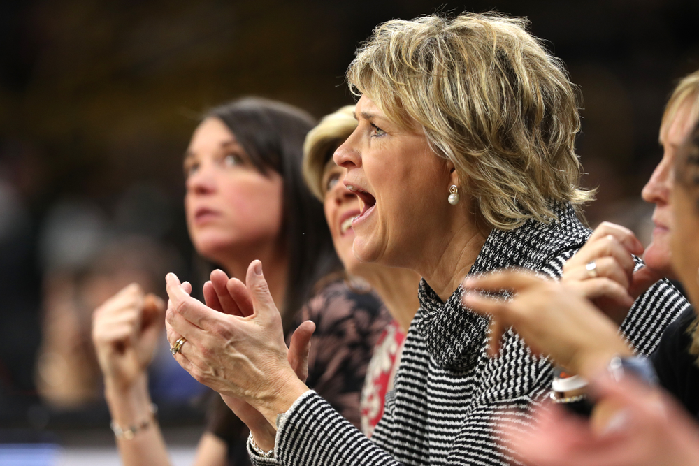 Iowa Hawkeyes head coach Lisa Bluder against the Michigan State Spartans Thursday, February 7, 2019 at Carver-Hawkeye Arena. (Brian Ray/hawkeyesports.com)