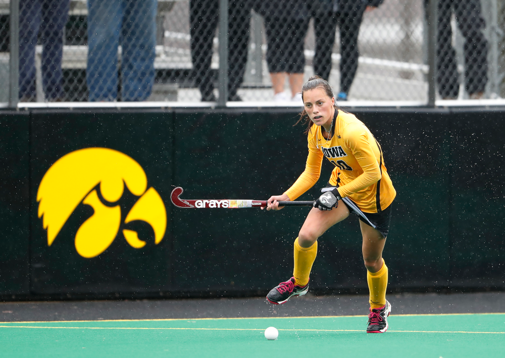 Iowa Hawkeyes Isabella Brown (10) against Stanford Sunday, October 7, 2018 at Grant Field. (Brian Ray/hawkeyesports.com)