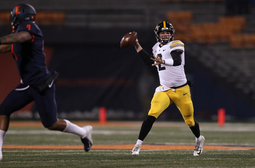 Iowa Hawkeyes quarterback Peyton Mansell (2) against the Illinois Fighting Illini Saturday, November 17, 2018 at Memorial Stadium in Champaign, Ill. (Brian Ray/hawkeyesports.com)